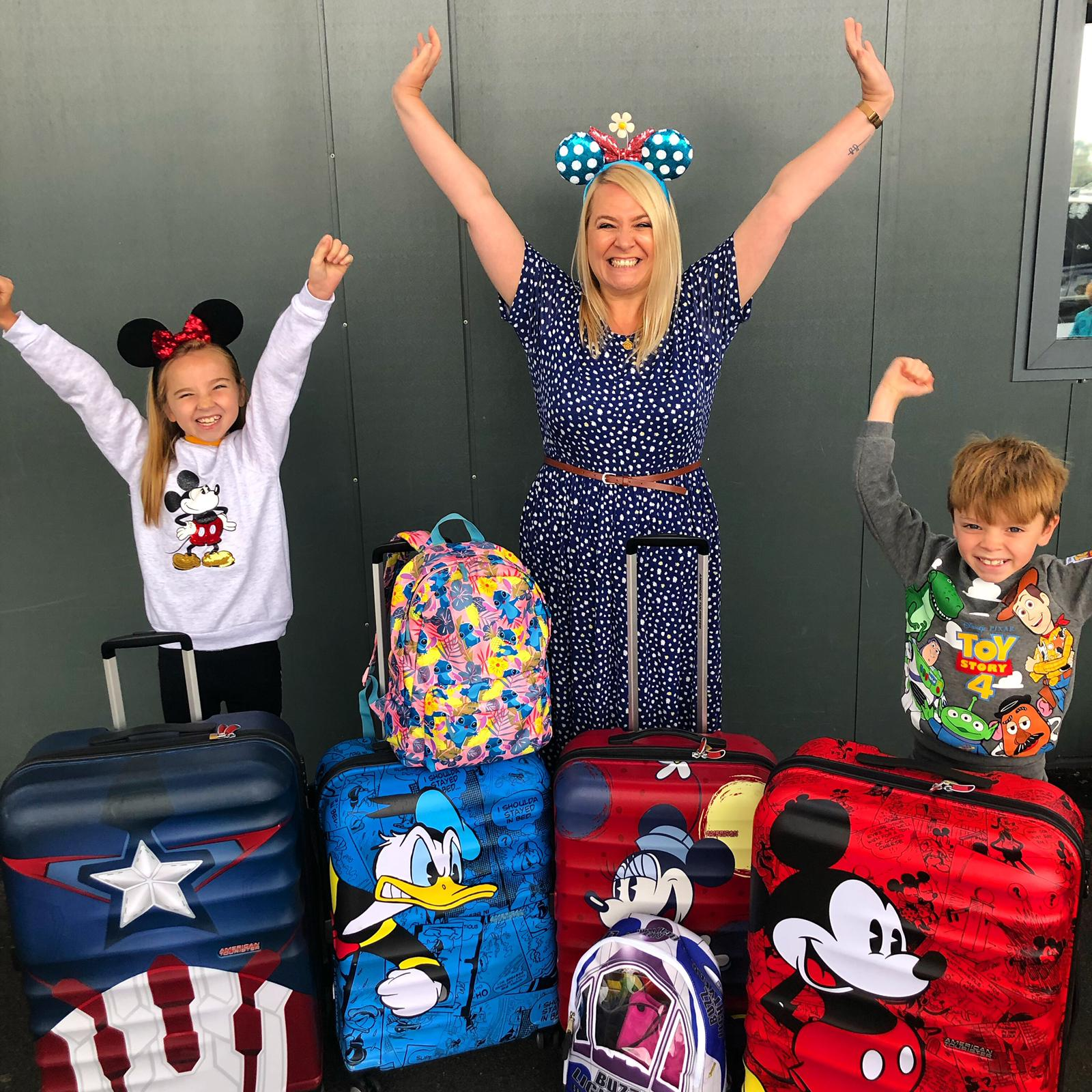10 Things To Pack In Your Walt Disney World Bag!